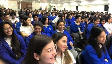 Tomada de los alumnos del FURNIS mientras hablábamos desde el escenario